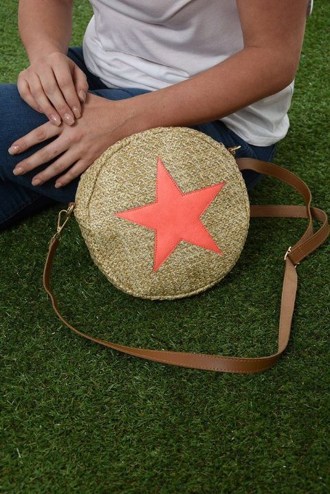 ROUND STAR STRAW BAG CORAL